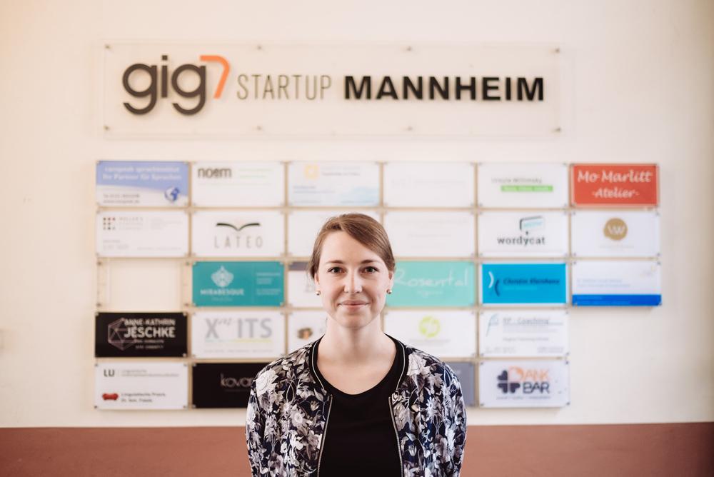 Lena Rübelmann (Leitung Female Entrepreneurship bei NEXT MANNHEIM) und ihr Team beraten hunderte Gründerinnen jährlich und wissen daher um die Probleme, mit denen ambitionierte, kreative Frauen in der Branche leider noch immer zu kämpfen haben.