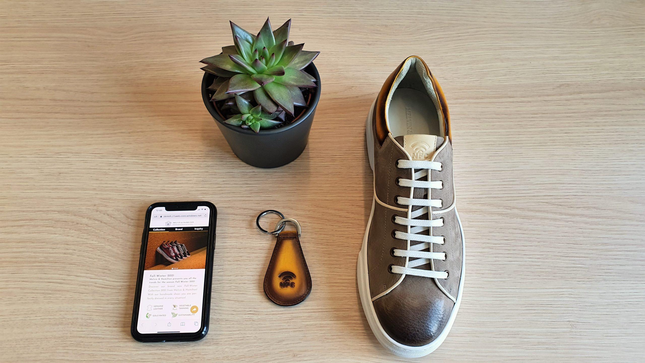 Sneaker und Schlüsselanhänger mit der Technologie von Certirex